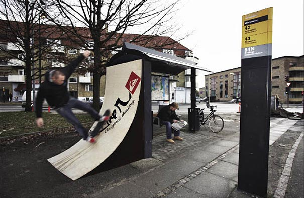 bus stop 7