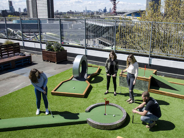 pop-up mini golf