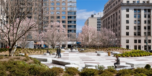 Central Plaza 4